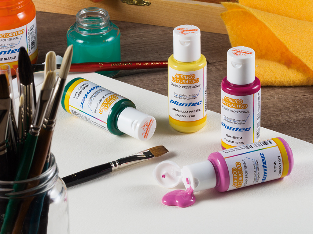 pintura-acrilica-decorativa-profesional-linea-artistica-plantec